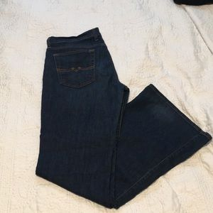 Lucky Brand Dark Blue Flare Jeans, size 31 / 12